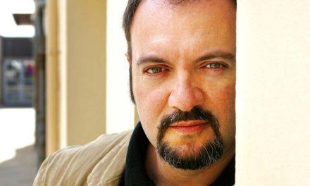Carlo Lucarelli : alla ricerca della metà oscura