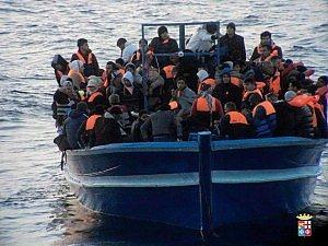 Immigrti in arrivo a Lampedusa