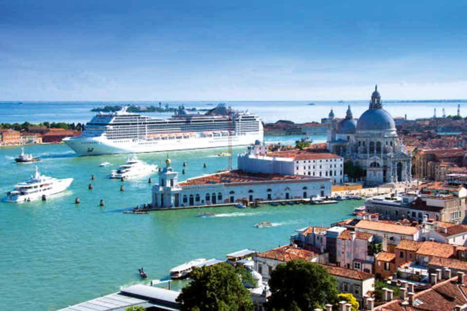 Venezia: uno stop alle grandi navi?