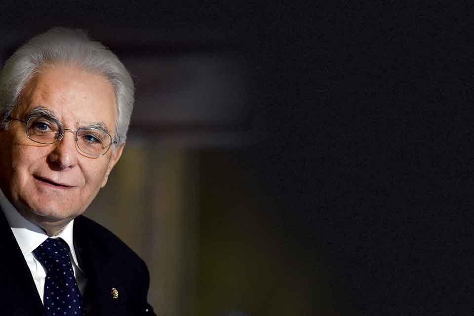 Taglio di retribuzione per il presidente Mattarella