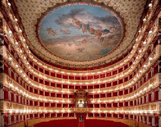 Il Teatro San Carlo: l'orgoglio di una dinastia