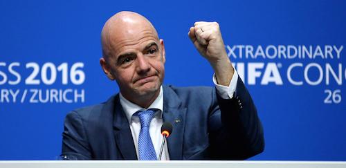 Un Italo-suisse élu président du foot mondial. </br>Qui es-tu Infantino?