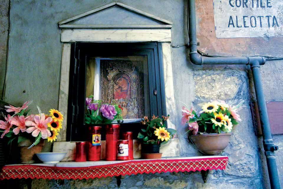 Gli italiani e il Vaticano: </br> dipendenza e libertà