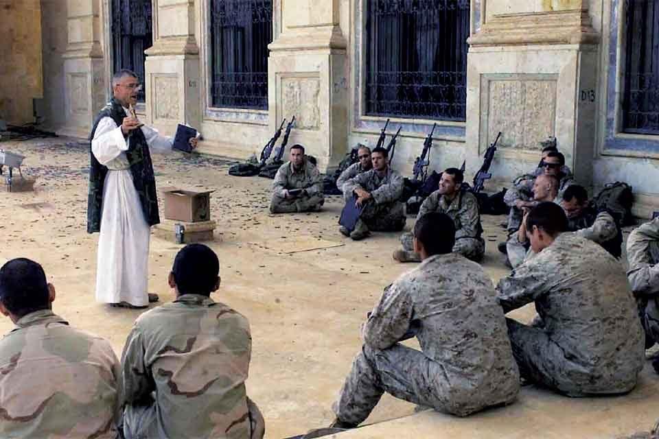 Cappellano di Dio e militare? </br>No grazie