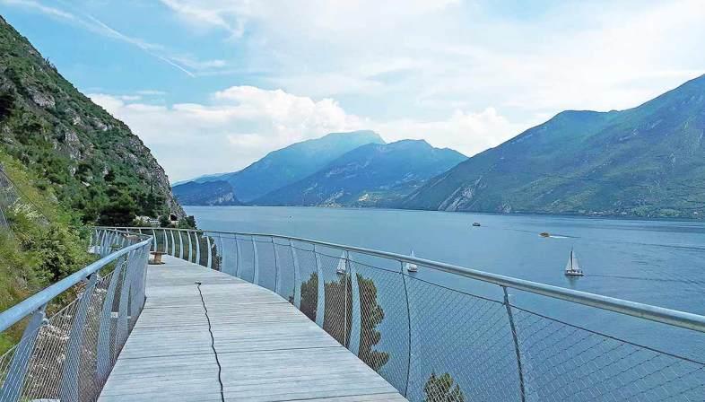 Inaugurata sul lago di Garda la pista ciclabile più bella d'Europa