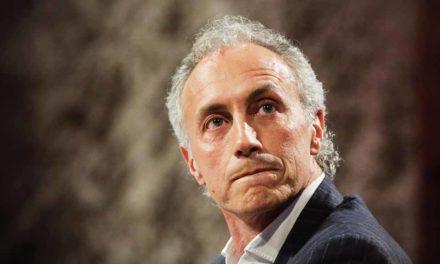 Entretien avec Marco Travaglio :<br> «Le tav : un train voulu par le système»