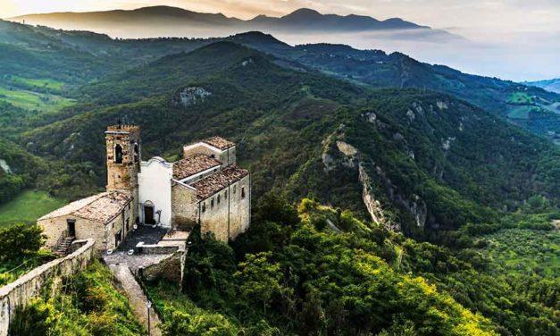 Verde Abruzzo. Un tuffo nella natura selvaggia