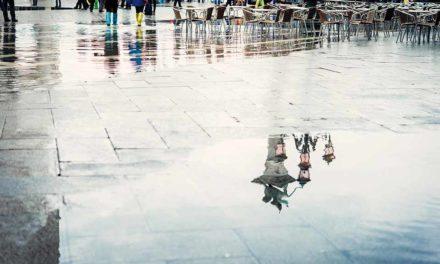 Acqua alta a Venezia. E poi miliardi e tante parole