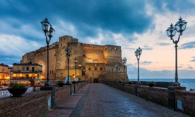 Napoli: <br>una città di castelli e di chiese